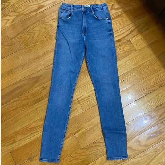 Zara skinny jean US 4
